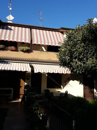 foto esterno Villetta a schiera 5 locali, buono stato, Ricengo