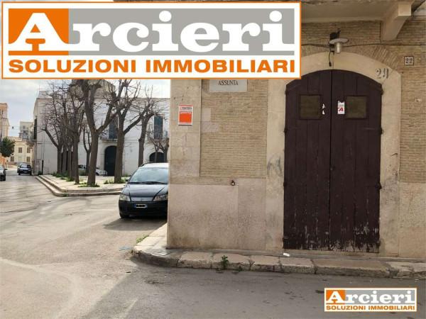 foto  Negozio in Affitto a Cerignola