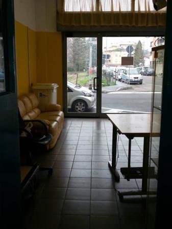 foto  Negozio in Affitto a Legnano