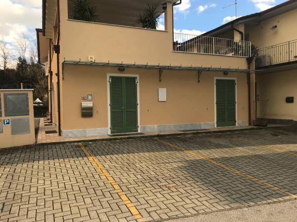 foto  Ufficio in Affitto a Seravezza
