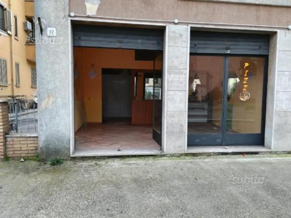 foto  Negozio in Affitto a Terni