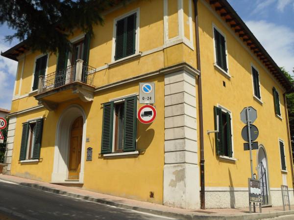 foto Esterno Ufficio in Vendita a Greve in Chianti