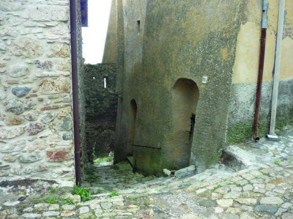 foto retro Magazzino in Vendita a Tolfa