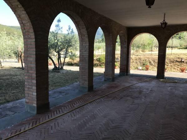 foto  Villa unifamiliare Strada Comunale di Sercognano, Loro Ciuffenna