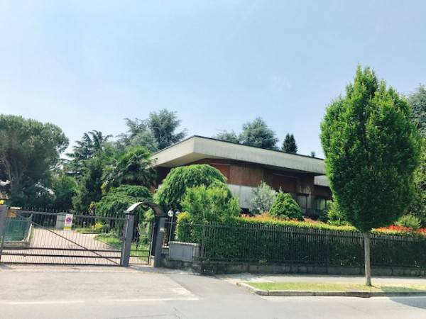 foto  Single family villa, good condition, 270 sq.m., Bottanuco
