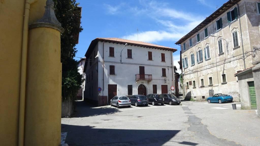 foto  Gebäude piazza Ferrini 2, Gozzano