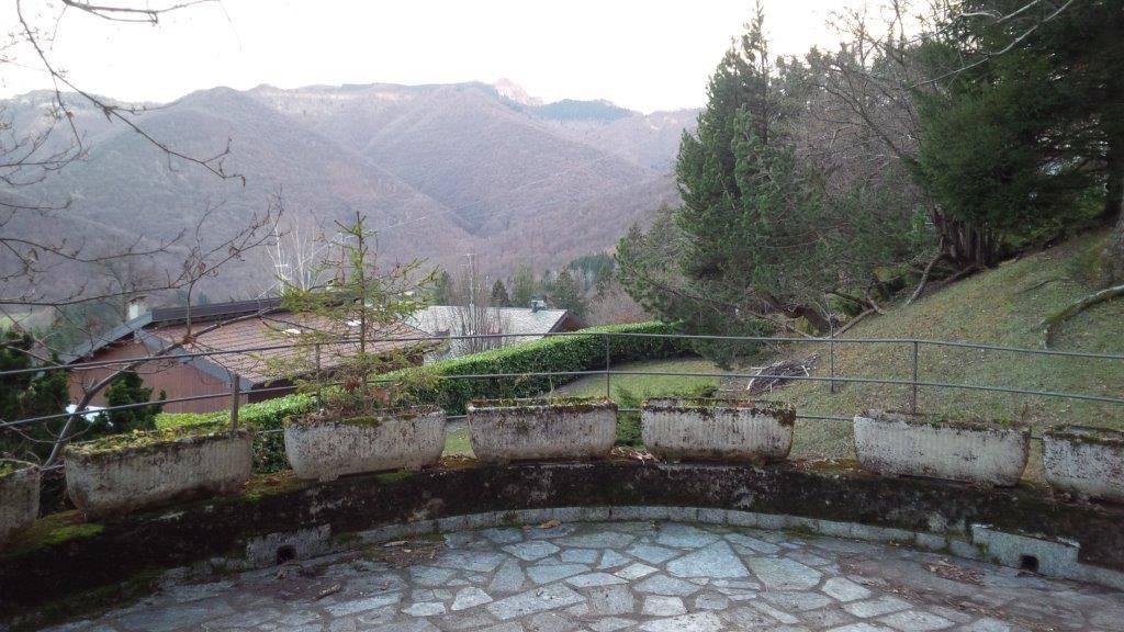 foto  Villa via Vittorio Novi 17, Alta Valle Intelvi