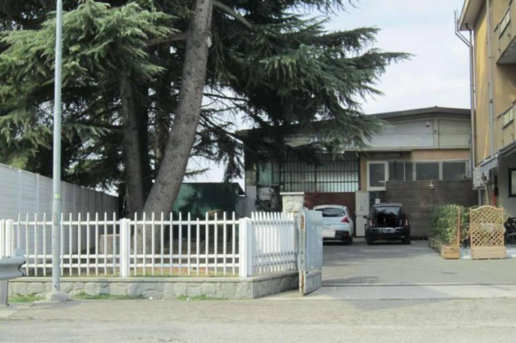 foto Posti auto al Castello Car box / Garage via moglia, Cherasco