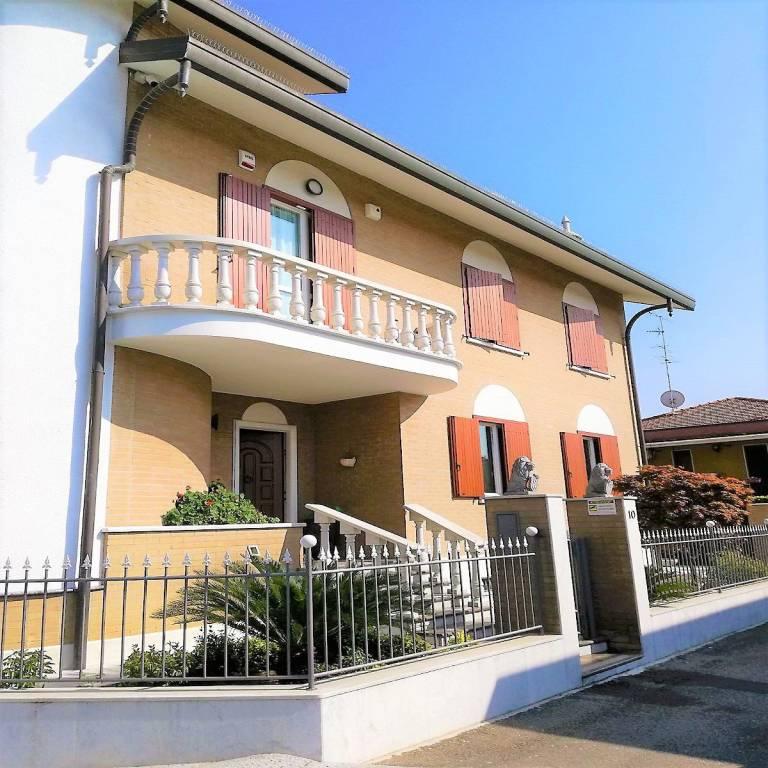 foto 1 Single family villa via Bergamo, Cesate