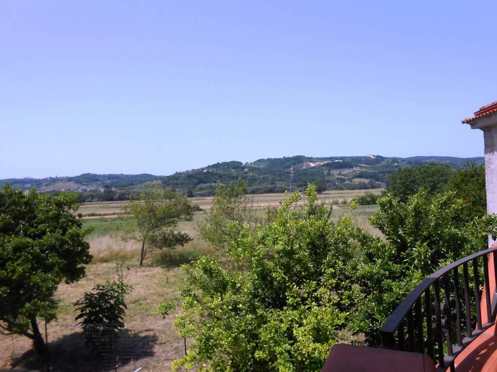 foto  Rustico via Campagnano, Amorosi