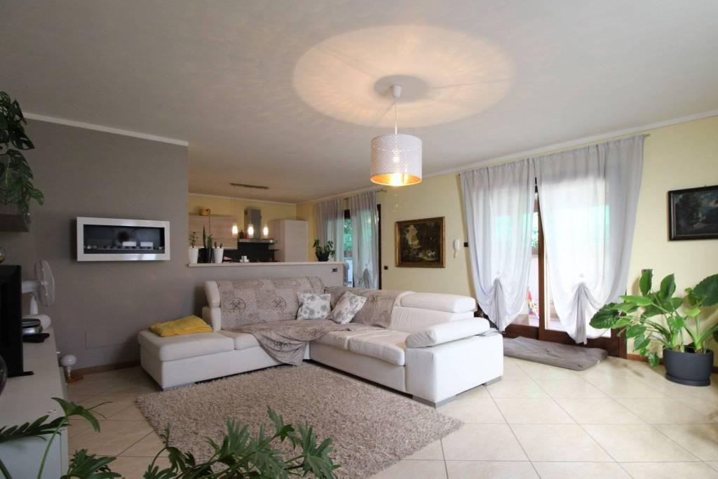 foto  Villa bifamiliare, ottimo stato, 250 mq, Erbusco