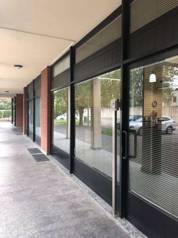 foto ufficio-novate-vendita Ufficio in Vendita