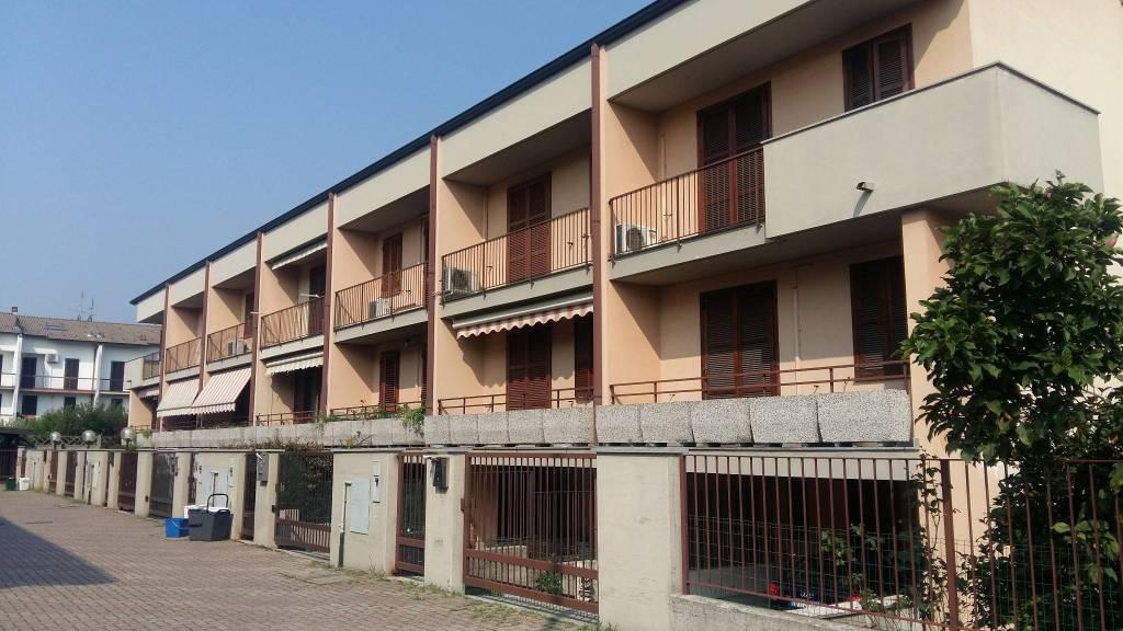 foto interno Terraced house via Giuseppe Garibaldi, Pogliano Milanese