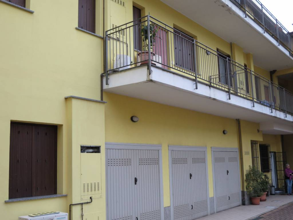 foto  Двухкомнатная квартира via 20 Settembre 22, Nova Milanese