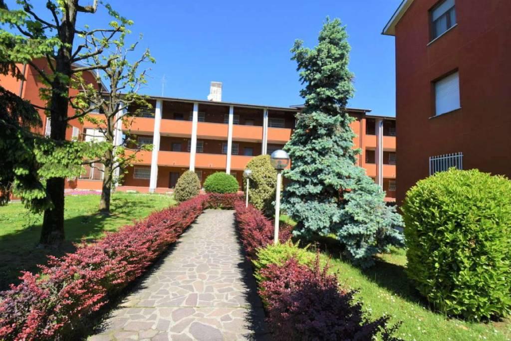foto ESTERNO 3-room flat via via Rossini 3, Vizzolo Predabissi