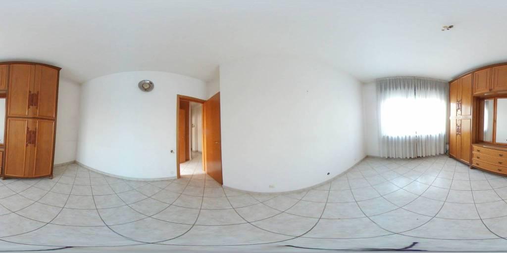 foto  3-room flat via Como, Lainate