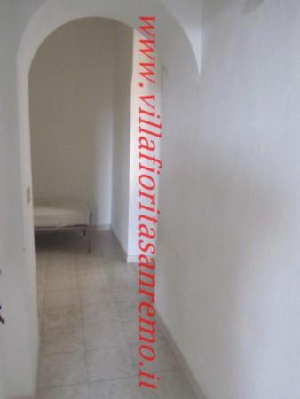 foto camera Casa indipendente corso Italia 126, Ceriana