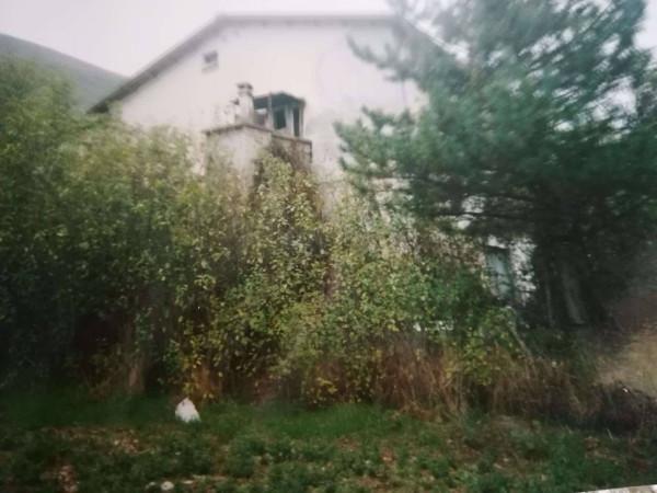 foto  Casa indipendente Vico Pellegrini, Tione degli Abruzzi