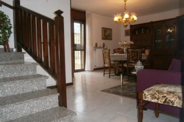 foto  Villa via Vigevano, Gropello Cairoli