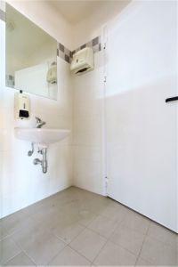 foto bagno Laboratorio in Affitto a Camisano Vicentino
